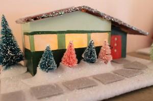 retro-christmas-ranch-house-putz
